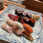 鮨 割烹 福松 -  華にぎり2500円(税込み)
