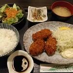 142882836 - 広島県 大粒カキフライ定食  ¥850(税込)