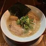 夜鳴き軒 - 料理写真:夜鳴き軒こってり(並)¥750