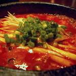 和三八 - 純豆腐チゲはぐつぐつ煮立っています
