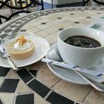 公園レストラン - 料理写真:ホットコーヒー&ミニスイーツ