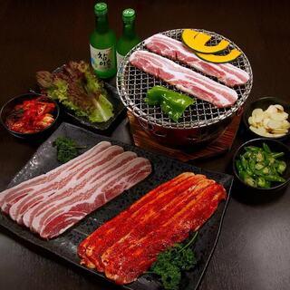 美味しさ倍増!備長炭付き七輪で仕上げる絶品韓国料理!