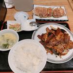 五妹包 - ナスと味噌炒め定食