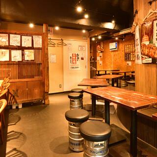 活気のある大衆酒場で、ちょい飲みやご宴会をお楽しみください!