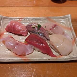 弥助鮨 - 料理写真:握り寿司