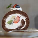 キッサ マシマロ - 2020年12月再訪:ショコラとフルーツのロールケーキ☆