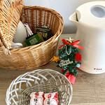 142957199 - 緑茶のティーバッグ&インスタントコーヒー