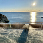 142957258 - 朝日と二ツ島の絶景露天風呂