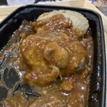 成城石井 - レンチン、デミグラスハンバーグ。3個入りで、500円弱だったと思います。これ、美味しい!