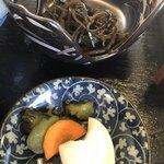 そば処 西浦屋 - 昆布煮に漬物