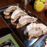 五坪 - 蒸し牡蠣 3個400円