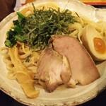さえ丸おじさんの店 - 料理写真:つけ麺大盛り (けっこうボリューム有り)