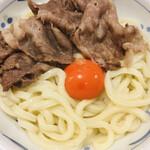 142969402 - 黒毛和牛肉釜玉(うどん)
