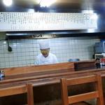 14297978 - 厨房を臨む