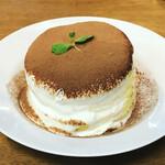 cafe a。u。n - ティラミス パンケーキ