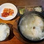 美成家 - 参鶏湯定食