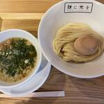 麺に光を - 料理写真:■味玉レゲエ鴨つけそば大盛り¥1250
