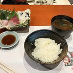 Uotake - ご飯と味噌汁もうまい