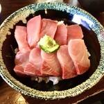 まぐろや 柳橋 - 2色丼¥800 マグロとハマチ