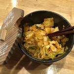 らぁめん秀 金澤 - 無料の自家製キャベキムチ