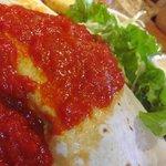 ハバナ カフェ - チキン&チーズのブリトー の拡大写真