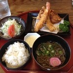 めん処まんぷく - 控えめえび唐定食 810円