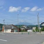 14300363 - 駐車場から岩木山遠望 2012.8