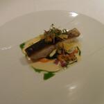 143004355 - 鮮魚のポワレ ブールブランソース