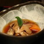 北の味紀行と地酒 北海道 - 舞茸、牛蒡、人参、オクラの煮物
