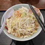 旨い安い腹いっぱい - ラーメン並野菜マシ750円の外観
