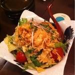 味酒 小町 - 京豆腐と揚げ湯葉のサラダ  700円