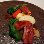 143011130 - ランド産鴨胸肉/グリーンマスタードのジュ