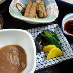 さわぐち - さわぐち定食のお漬物・イカの塩辛・煮物小鉢☆