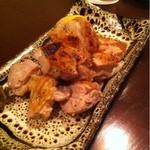 味酒 小町 - 地鶏の塩焼き  700 円