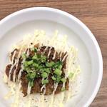 らーめん これこれ - ソーキマヨ丼 300円。美味しいご飯にほぐされたソーキとマヨネーズが旨い!