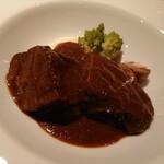 ビストロ シャンパーニュ - 牛ホホの赤ワイン煮込み ロマネスコとマッシュルーム、マッシュポテトが付け合わせ