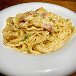 創作イタリアン 丹治 - ベーコンと白菜のクリームパスタ