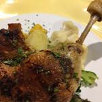 ビストロ ボナップ - 鴨モモ肉のコンフィ