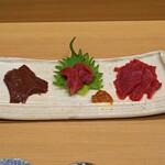天ぷら 蕎楽亭 - 会津の馬刺し  左から レバー、ヒレ、モモ