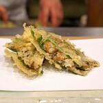 天ぷら 蕎楽亭 - 才巻海老のすり身の紫蘇巻