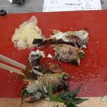 鮎専門店 串や - 料理写真:天然鮎塩焼き(1尾500円)