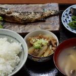お食事処かけす - 岩魚の塩焼き定食800円
