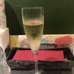 大手町ワインバル 八十郎商店 -