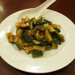 中国料理 茗華楼 - ピリ辛胡瓜:豆板醤と辛子、甘酢のお味、けっこうなピリ辛です。     2020.12.20