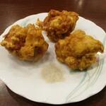 中国料理 茗華楼 - 鶏の唐揚げ(3個):1個ずつが大きめで、ボリュームがあります。     2020.12.20