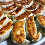 143089993 - 元祖伝説焼き餃子(5個)他の調理例