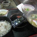 山本山 - 麦とろ定食525円