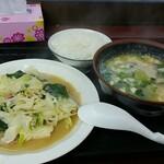 高良食堂 - 野菜おかず&ゆし豆腐(ハーフ)