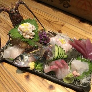 朝獲れ!新鮮なお刺身を是非桑名の魚のてっぺんで!