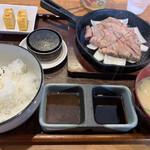 豚ステーキ専門店 かっちゃん - 豚ステーキ定食